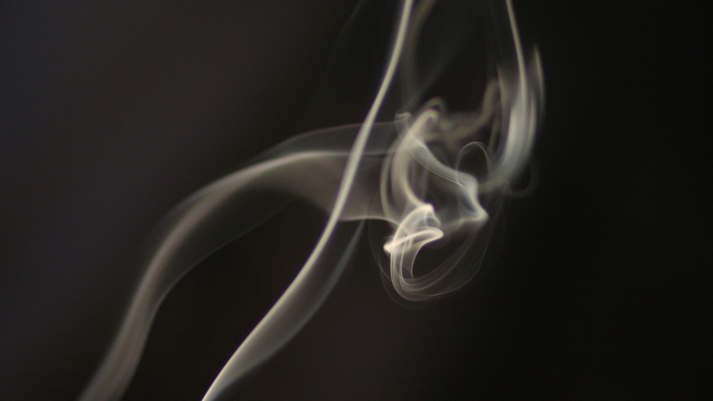 Smokers have a harder time finding jobs, Stanford study finds