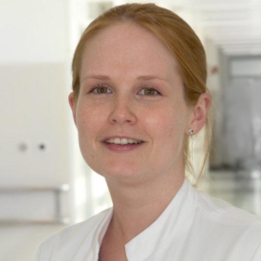 Nina DOMINAS | Consultant | Universitätsklinikum Gießen